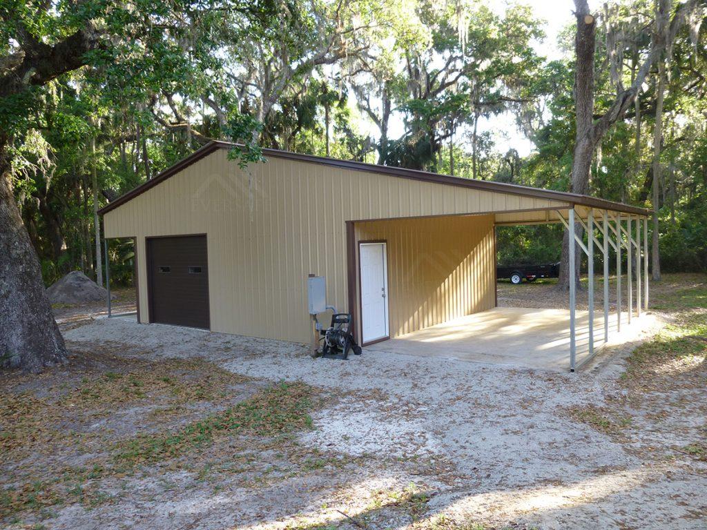 Workshop Garage with lean- to