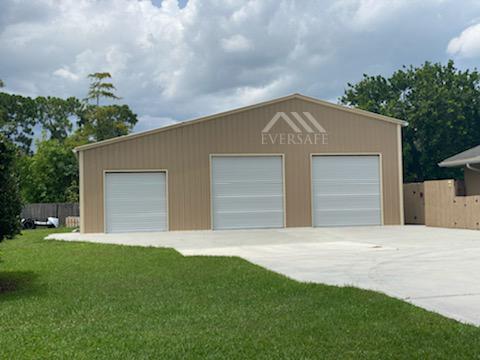 Three Car Multi-Bay Garage